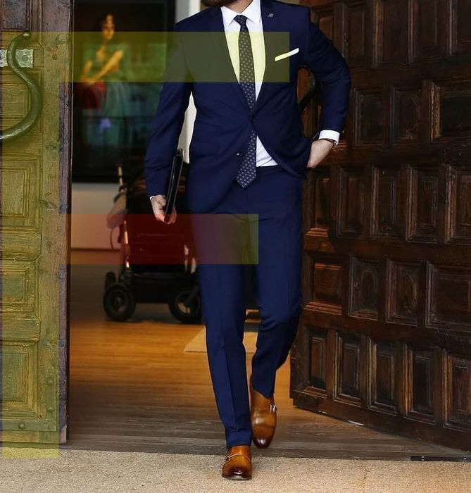 a Mens Navy Blue Suit
