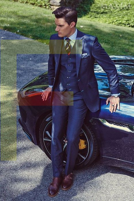 regular fit and tailored fit suits in navy blue